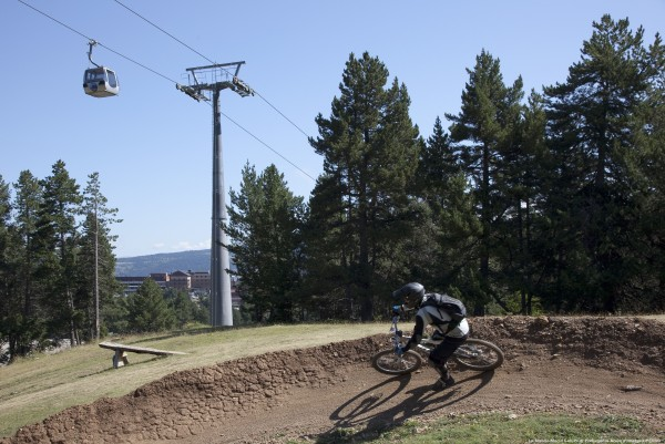 Uso de pista de esquí en verano - Foto: La Molina - autores: Maria Geli, Pilar Planagumá
