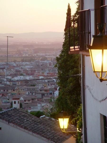 Atardecer subiendo a La Alhambra por El Realejo